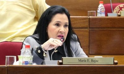 Imputan a senadora que fue a sesión infectada con coronavirus