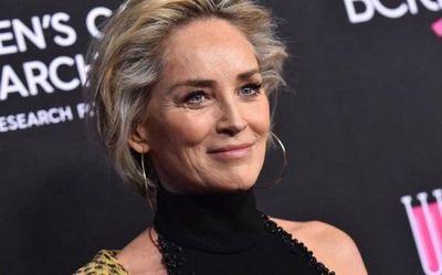 Sharon Stone alienta a la Cruz Roja italiana