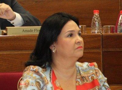 Fiscalía imputa a la senadora Bajac por violar cuarentena sanitaria