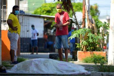 "Médica paraguaya en Ecuador: ""Usen tapabocas, en Paraguay están a tiempo"""