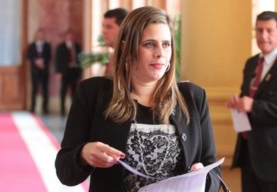 Diputada pide pérdida de investidura de Maria Eugenia Bajac