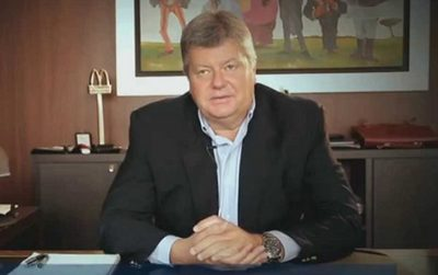 """Empresario plantea retorno del fútbol para """"entretener a la gente"""""""