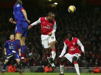 Adebayor y su recuerdo especial con Thierry Henry en el Arsenal