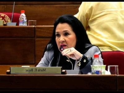 Presidente del Congreso exige a Bajac que renuncie a su banca en el Senado o impulsará destitución