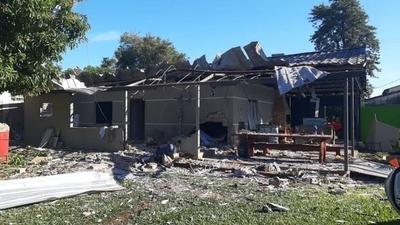 HOY / Atentado con explosivos en Puerto Irala deja múltiples destrozos en una vivienda