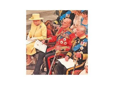 Isabel II pide calma y determinación a los británicos