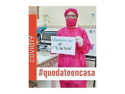 Ismenia Rodríguez, de la moda de pasarela al vestir sanitario