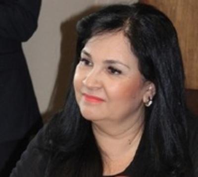 Senadora Bajac concurrió a otros sitios cuando debía estar en su casa