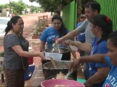 Pobladores de un barrio piden ayuda para continuar con la olla popular