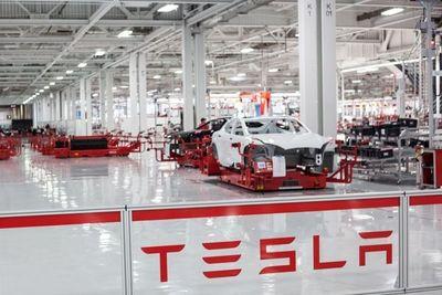  VIDEO  COVID-19: Tesla usa piezas de auto para producir ventiladores