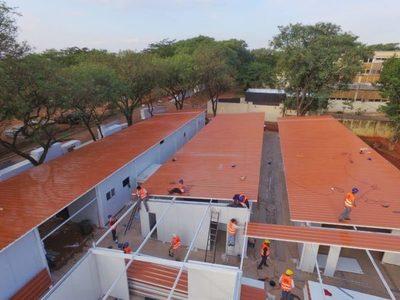 Colocan techos a los futuros hospitales de contigenica en Ineram e Itauguá