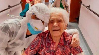 Mujer de 104 años sobrevive a segunda pandemia