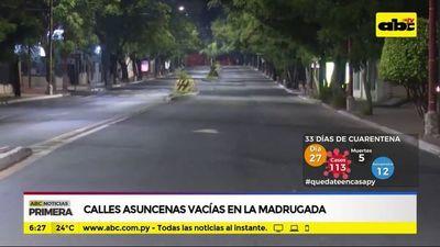 Calles asuncenas vacías en la madrugada