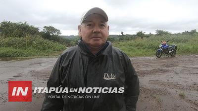 FUE A HACER COMPRAS EN LA PLACITA Y OLVIDÓ SU RIÑONERA.