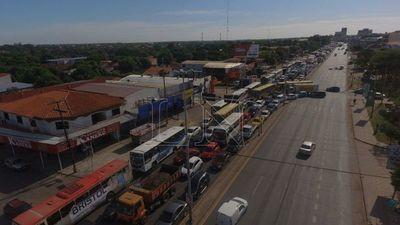Controlan a automovilistas y pasajeros de buses sobre la Transchaco