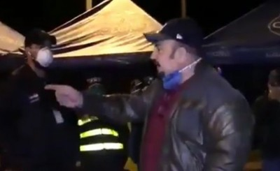 Diputado violó cuarentena y atropelló barrera policial