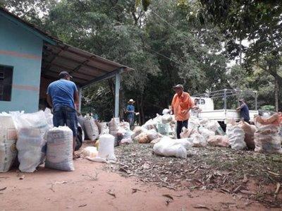 Comunidad Aché donó productos agrícolas a familias carenciadas