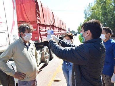 Villarrica: Larga fila de vehículos a causa de avivados