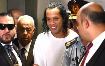Otorgan arresto  domiciliario para Ronaldinho y su hermano