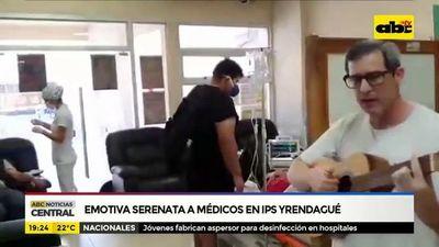 Emotiva serenata a médicos en IPS Yrendague