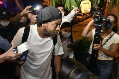 Peteî jasy rire oime detenido, Ronaldinho oiméma osêma Agrupación Especializada-gui