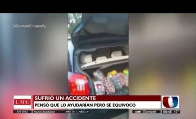 HOY / Evitó accidente pero volcó, conductores en vez de ayudarlo le robaron toda la mercadería