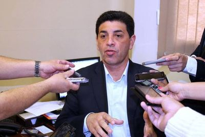 Senador Ríos critica burocracia en asistencia a sectores vulnerables