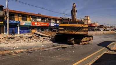 Demolición de paradas de metrobús podría culminar este fin de semana