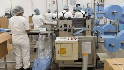 HOY / Confeccionistas prepararán indumentarias hospitalarias siguiendo indicaciones de la OMS