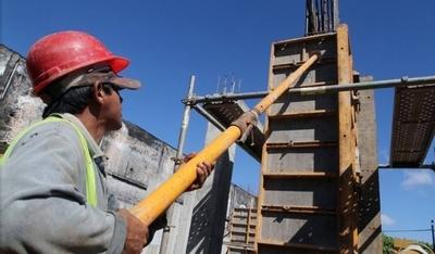 HOY / Analizan levantar ciertas restricciones tras Semana Santa: construcción, comercios y gastronomía, en la mira