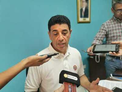 """Senador dice que lo menos """"dañino"""" para Bajac es presentar la renuncia"""