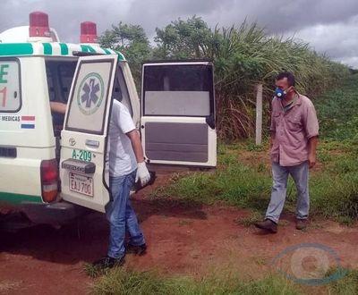 Dr. Collar expone sin ningún tipo de protección a su personal de blanco