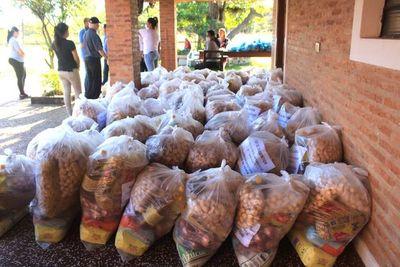 Gobernación de Ñeembucú procedió a la entrega de 10.000 kits de alimentos