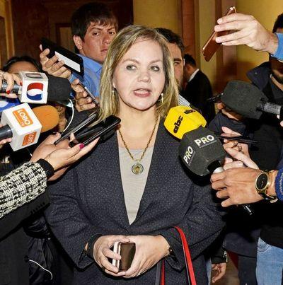 Senadora dice que apoya la reforma