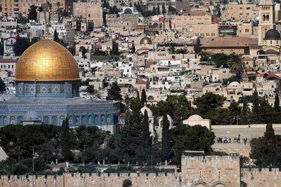 No ha habido milagro en Jerusalén, el Santo Sepulcro permanece cerrado por Pascua
