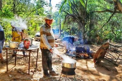 Covid-19: Luqueños solidarios organizan ollas populares para alimentar a miles de familias •
