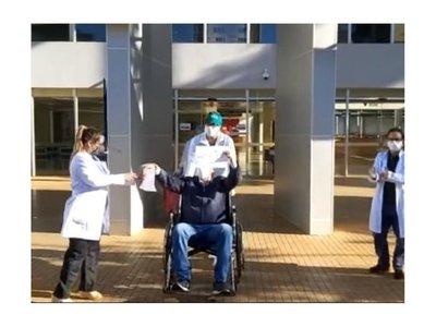 Coronavirus: Dieron de alta a un recuperado en el Este