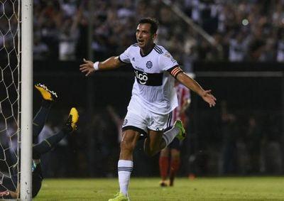 Cuatro cabezazos de Roque en la Libertadores
