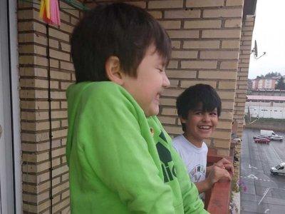 VIDEO: Bomberos sorprenden a un niño paraguayo