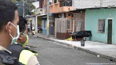 Retiran 700 cadáveres de viviendas de Guayaquil