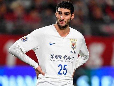El belga Fellaini, único contagiado de la liga china, recibe el alta