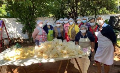 HOY / Reparto de almuerzo llega a barrios de Areguá, Itapúa y Villarrica