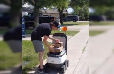 Pizzería y supermercado utilizan robots para hacer delivery sin romper la distancia social