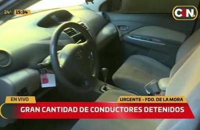 Conductores detenidos en control policial