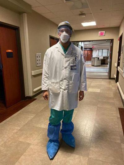 """Doctor paraguayo en EEUU: """"Vi caer un paciente tras otro en una escala sin precedentes"""""""