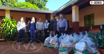 En Cambyretá entregan kits de almuerzo escolar a padres de alumnos
