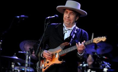 """Bob Dylan publica su segunda canción nueva en un mes, """"I Contain Multitudes"""""""