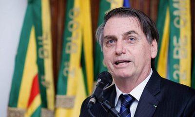 """Brasil: Bolsonaro pide """"retomar empleos"""" tras sustituir a su ministro de Salud"""