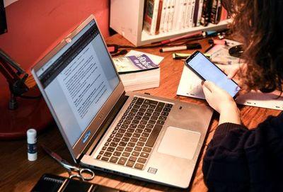 Afirman que hasta ahora, el 70% de los padres están disconformes con clases virtuales