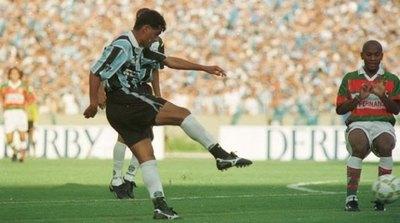 'Chiqui' Arce, en el equipo ideal de extranjeros goleadores de Brasil